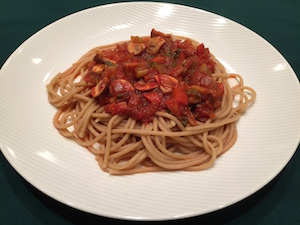 Vegan spaghetti with mushroom marinara